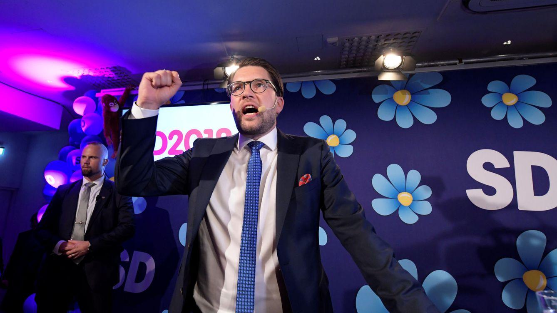Foto: El líder de los Demócratas de Suecia, Jimmie Akesson, habla ante sus seguidores tras conocerse los resultados electorales, en Estocolmo, el 9 de septiembre de 2018. (Reuters)