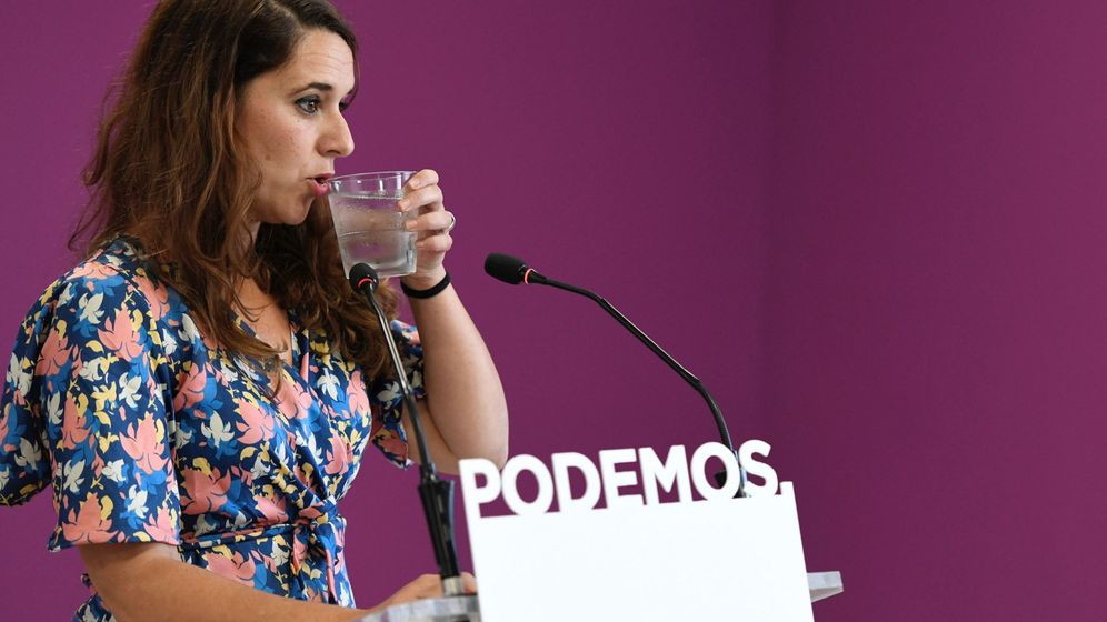 Foto: La portavoz de Podemos, Noelia Vera, durante la rueda de prensa que ofreció en la sede de su partido tras la reunión del Consejo de Coordinación de la formación este lunes. (EFE)