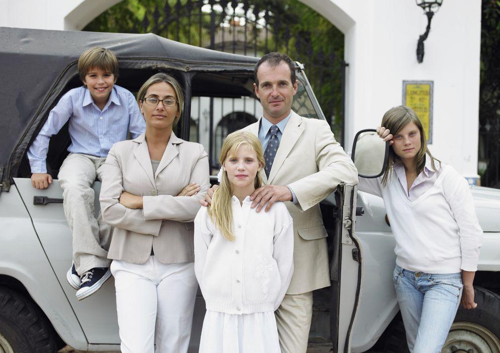 Foto: La familia Alonso de Gálvez y Walton, en una instantánea informal tomada en su tercera residencia. (Corbis)