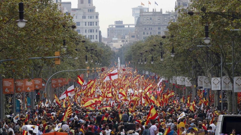 Foto: Manifestación por la unidad de España celebrada en Barcelona. (Reuters)