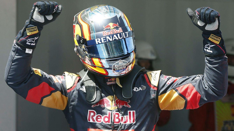 Foto: Carlos Sainz celebrando su quinto puesto (Efe)