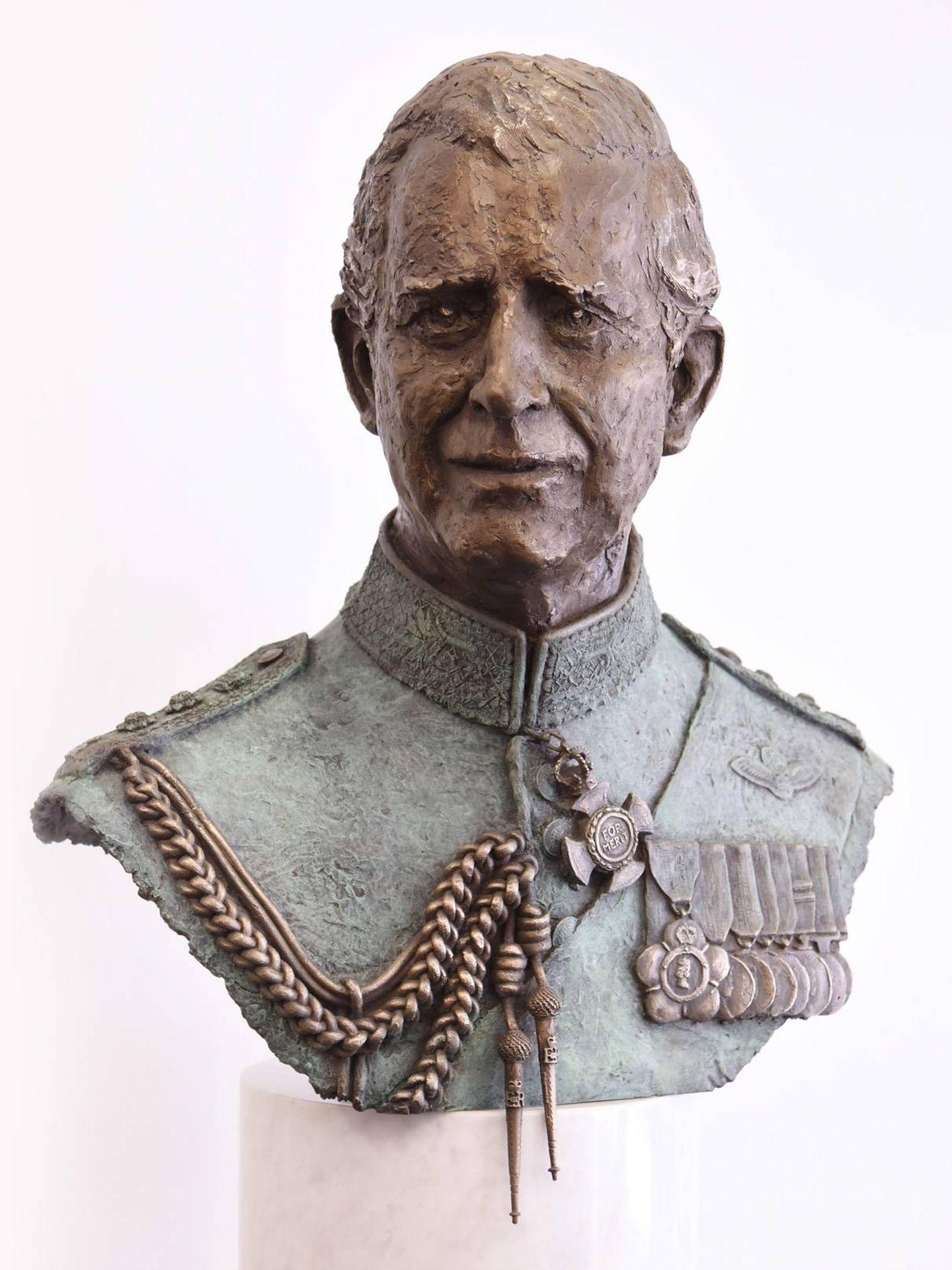 Busto del príncipe Carlos de Inglaterra esculpido por Frances Segelman. (Cortesía)