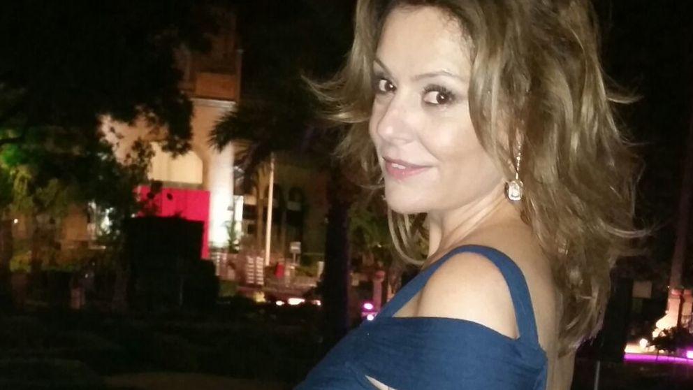 Nuria González recibe el premio 'Escaparate' sin la compañía de Fernández Tapias
