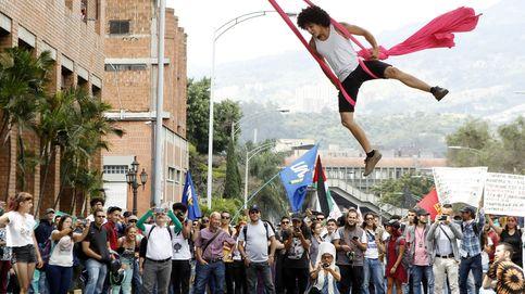 Estudiantes y trabajadores protestan en Medellín