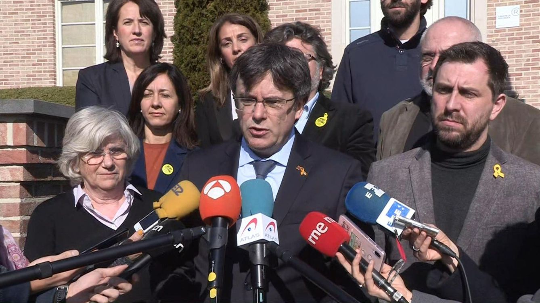 Puigdemont entra en el PE invitado por el grupo que tendió la mano a Vox