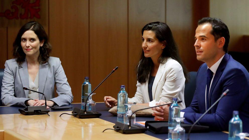 La reunión en Madrid acaba sin acuerdo: Vox tuvo su foto pero sigue su veto a Ayuso