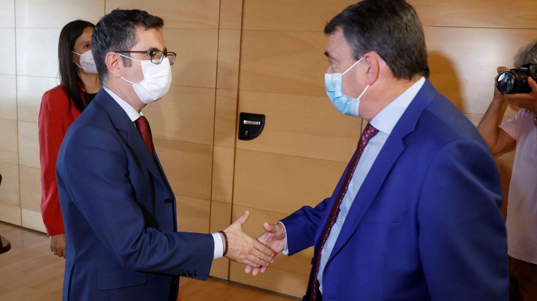 Félix Bolaños y el portavoz del PNV, Aitor Esteban. (EFE)