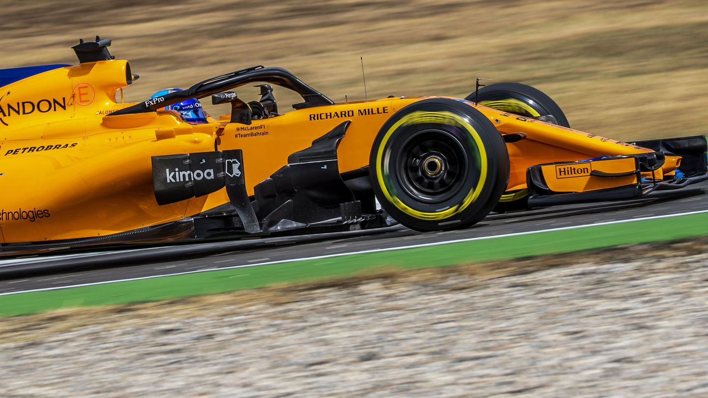 Fernando Alonso explicó que el McLaren solo ha tenido una evolución este año, la de Barcelona. (EFE)