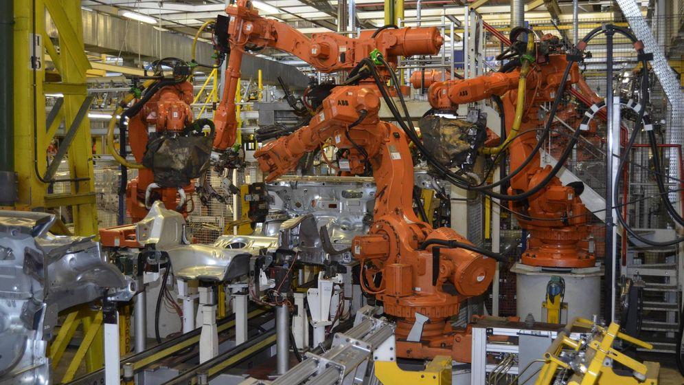 Foto: Las fábricas españolas de coches tienen mucho trabajo por delante para adaptarse a producir coches eléctricos.