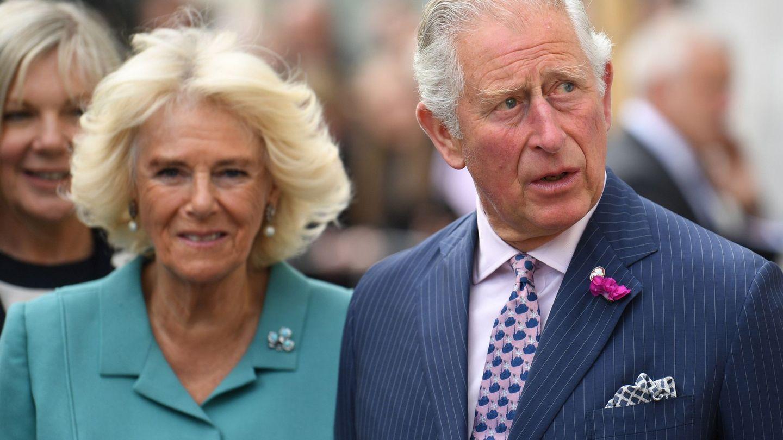 El príncipe Carlos de Inglaterra y su esposa Camilla. (EFE)