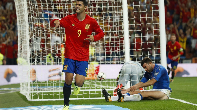Morata celebra un gol con la selección española. (EFE)