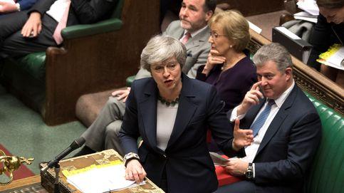 Westminster salva por la mínima el Brexit sin acuerdo entre amenazas de dimisiones