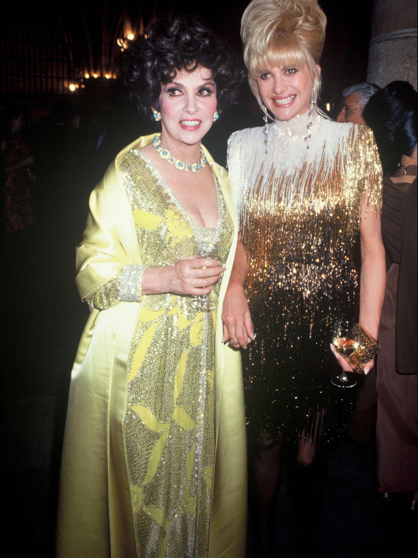 Ivana Trump, con Gina Lollobrigida en 1991. (Getty)
