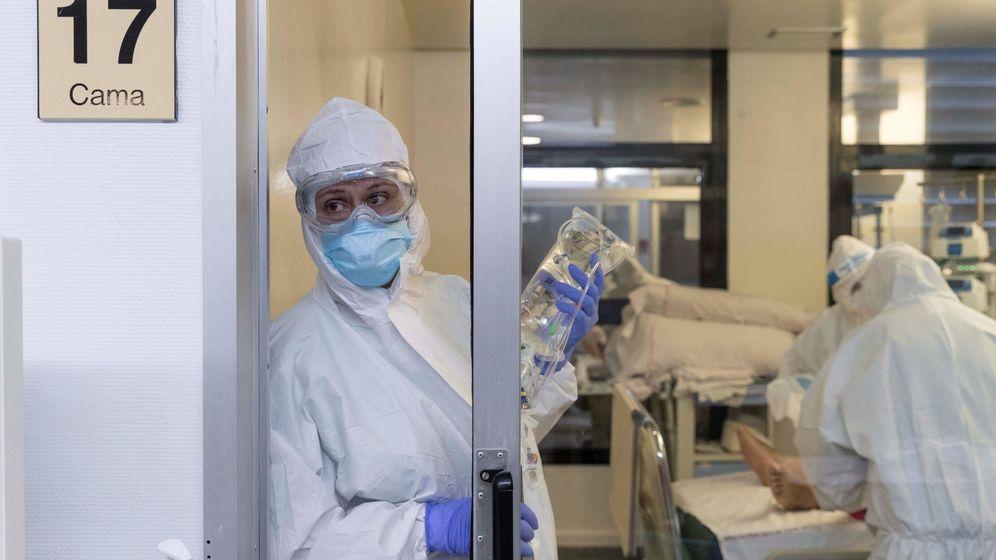 Foto: Varias enfermeras de la UCI del Hospital Morales Meseguer, de Murcia. (EFE)