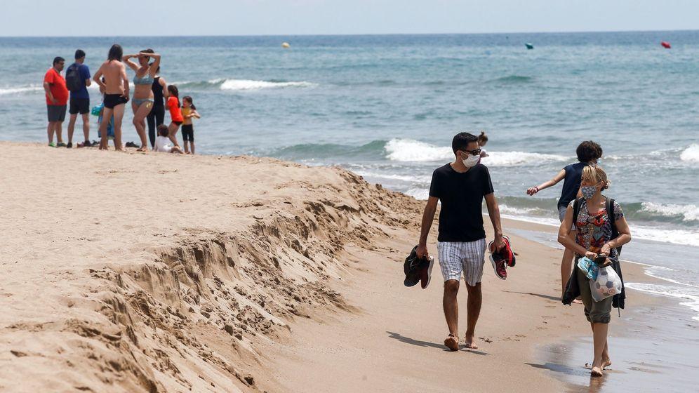 Foto: La playa de Castelldefels, este lunes. (EFE)