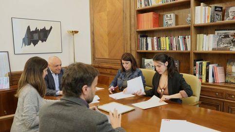 Sánchez e Iglesias pactan hasta los desacuerdos en un protocolo de coordinación