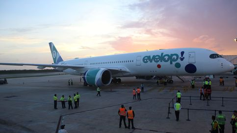 Atienden en Barajas a varios pasajeros de un avión que sufrió una caída de 100 metros