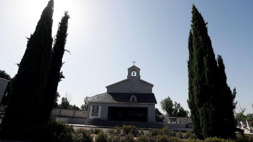 Foto: La capilla de la familia de Franco en el cementerio de Mingorrubio-El Pardo, donde se halla la tumba de la mujer de Franco, Carmen Polo. (EFE)