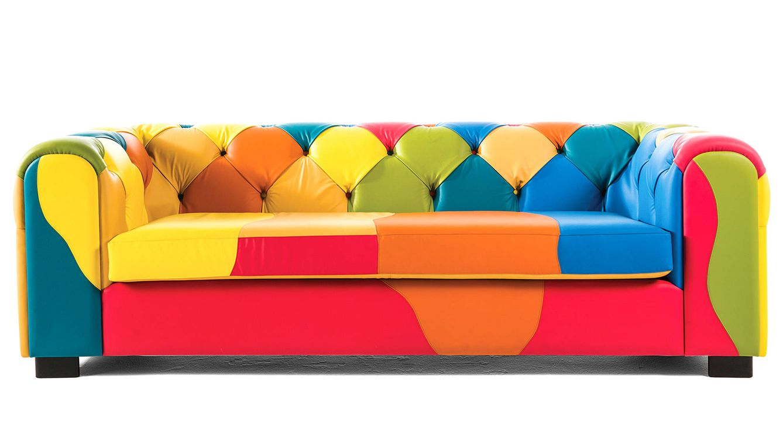 Foto: Imagen del colorista sofá chester diseñado por Javier Mariscal.