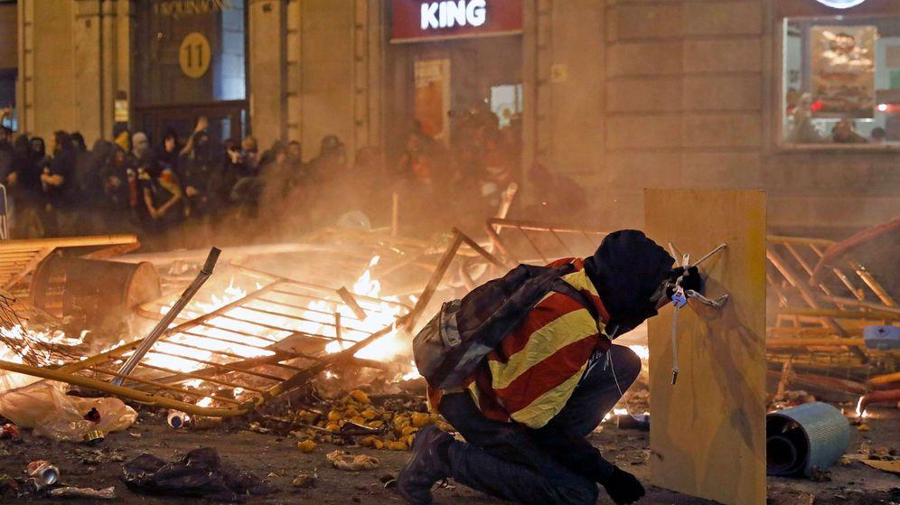 Foto: Disturbios en la Plaza Urquinaona de Barcelona. (EFE)