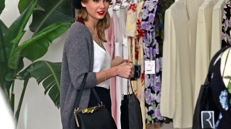 Taylor Swift comprando de rebajas en Los Angeles. (Cordon Press)