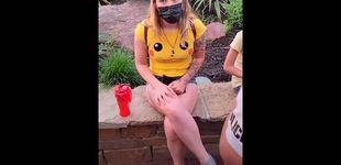Post de Vídeo | Amenazada en un parque de atracciones por llevar pantalones muy cortos