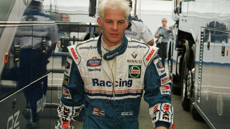 A Jacques Villeneuve se le fue la mano con el agua oxigenada en los 90. (Reuters)