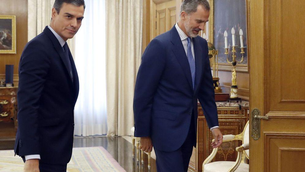 Foto: Felipe VI y Pedro Sánchez se reunieron en Zarzuela este martes. (EFE)