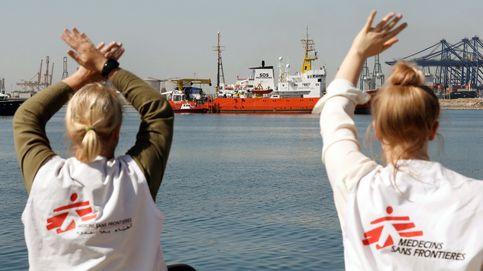 La llegada de los 630 migrantes del Aquarius, en imágenes