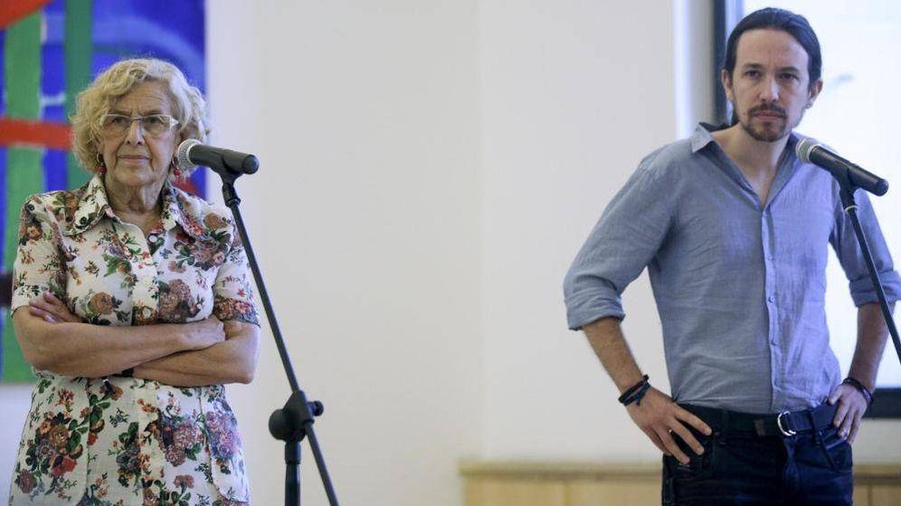 Foto: La alcaldesa de Madrid, Manuela Carmena, y el secretario general de Podemos, Pablo Iglesias. (Reuters)