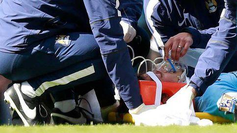 Silva no sufre fractura pese a ser retirado en camilla y con oxígeno