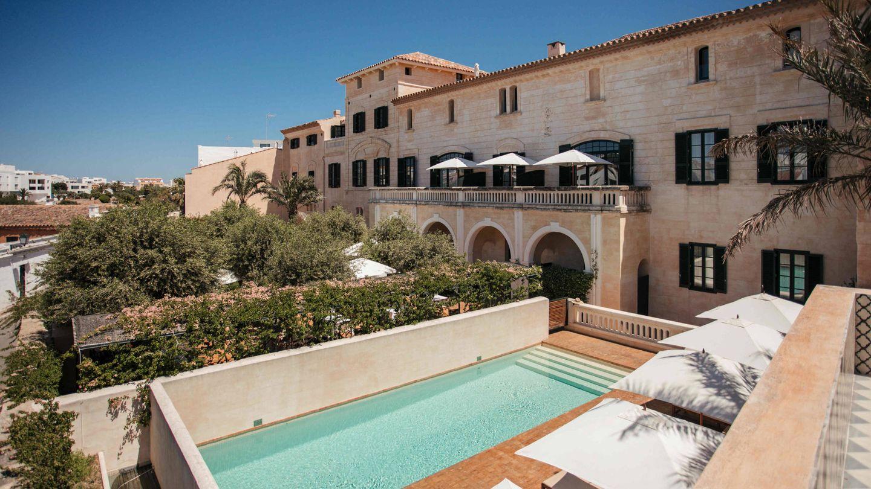 Can Faustino, un palacio y encima con piscina. (Cortesía)