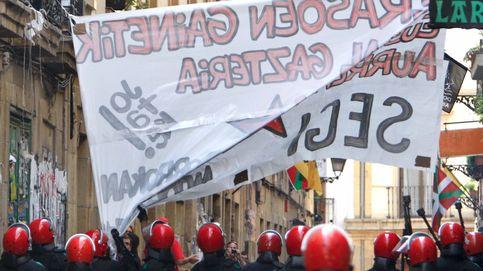 La mitad de las base 'abertzale' avala borrar todo vestigio de ETA y sus presos de la calle