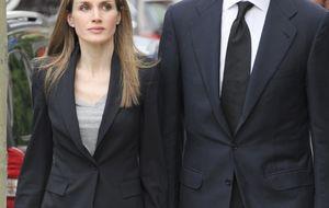 Foto: Los Príncipes acuden al Funeral del sobrino del Rey