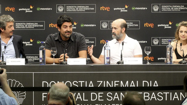 Los actores Ricardo Darín ,iz., Dolores Fonzi,d, Javier Cámara, y el director Cesc Gay,c-iz.. (EFE)