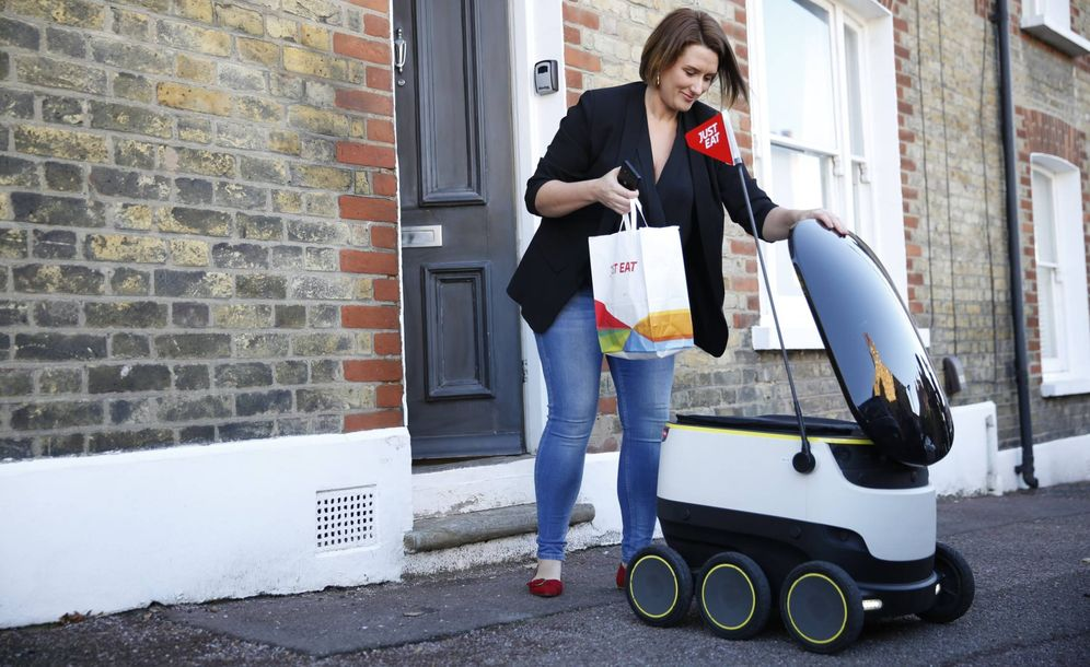 Foto: Uno de los robots que reparten por las calles de Londres.