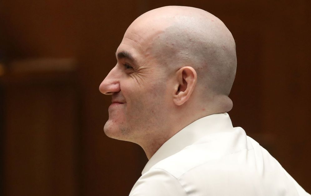 Foto: Michael Gargiulo, escuchando el veredicto del jurado popular. (Reuters)