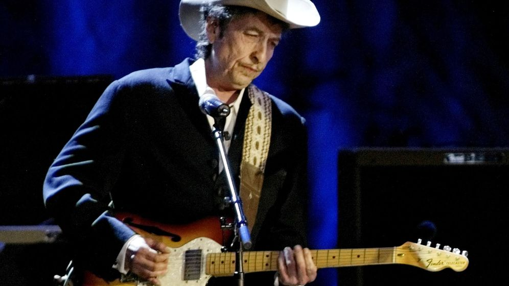 Foto: El cantante Bob Dylan recibe el premio Nobel de Literatura 2016 (REUTERS)