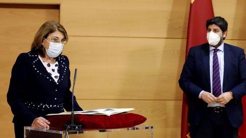 La consejera de Educación de Murcia no se vacunará porque desconfía de su efectividad
