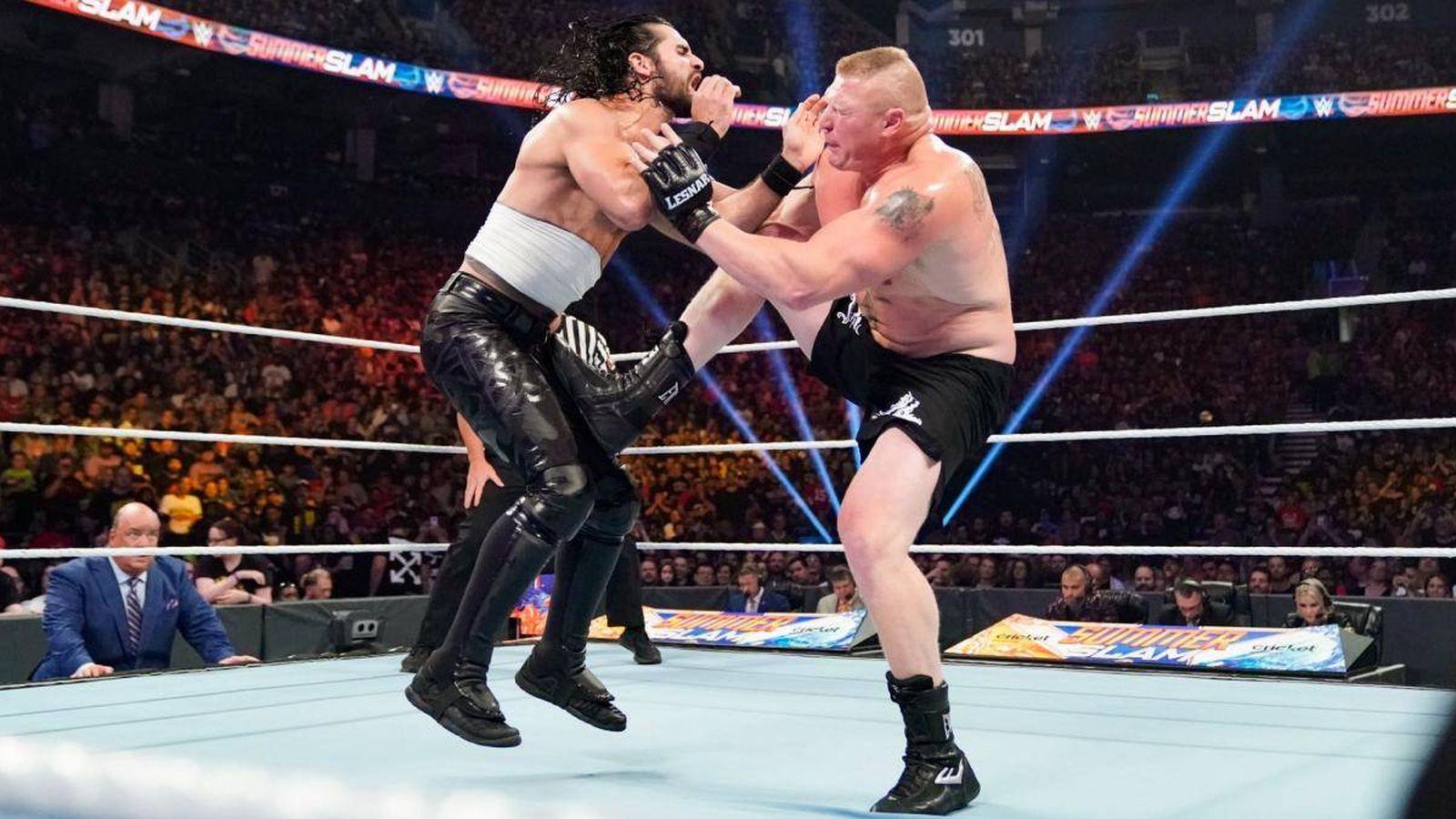 Foto: Lesnar y Rollins en SummerSlam 2019 (imagen oficial de la WWE)