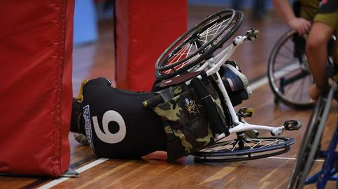 Espectaculares imágenes de jugadores de rugby en silla de ruedas