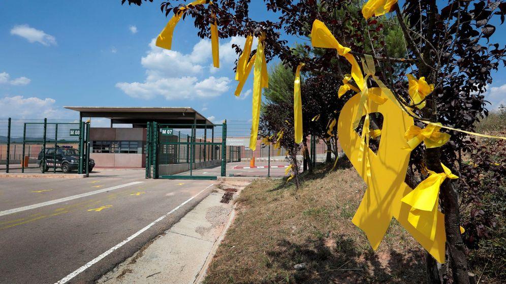Foto: Aspecto de los accesos, desde la C-55, al centro penitenciario de Lledoners. (EFE)