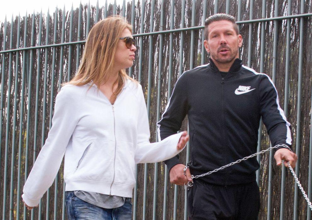 Foto: Simeone y Carla Pereira el día del 44 cumpleaños del entrenador (Gtres)
