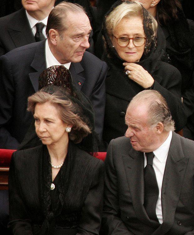 Foto: Los reyes Juan Carlos y Sofía. Tras ellos el recordado Jacques Chirac y su mujer, Bernadette. (Getty)