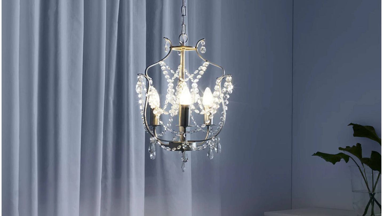 Lámpara de Ikea. (Cortesía)