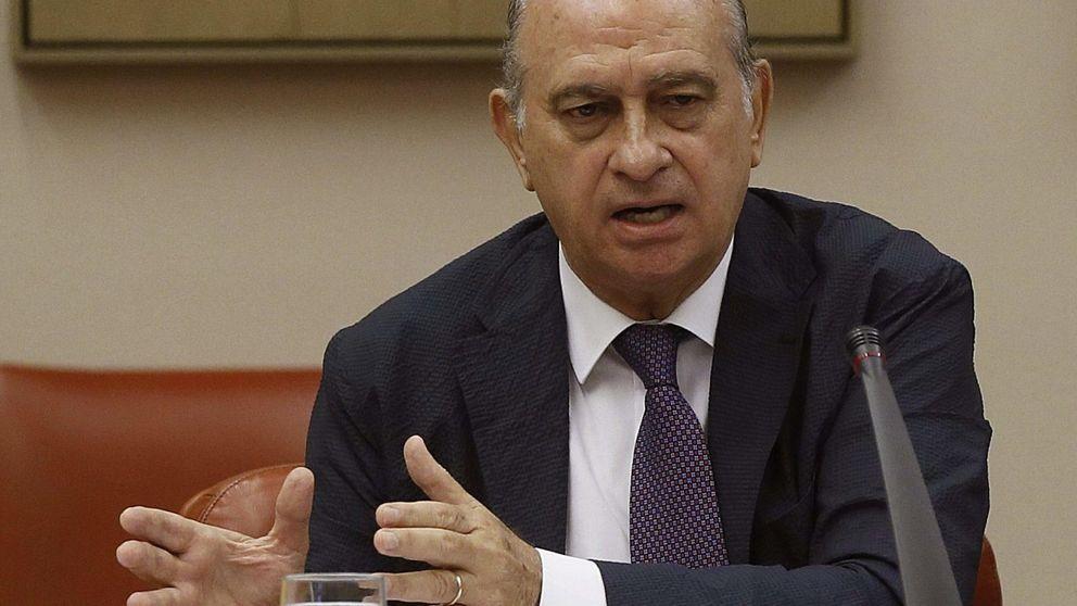 """Fernández Díaz no convence a la oposición, que insiste en pedir su """"irrevocable dimisión"""""""