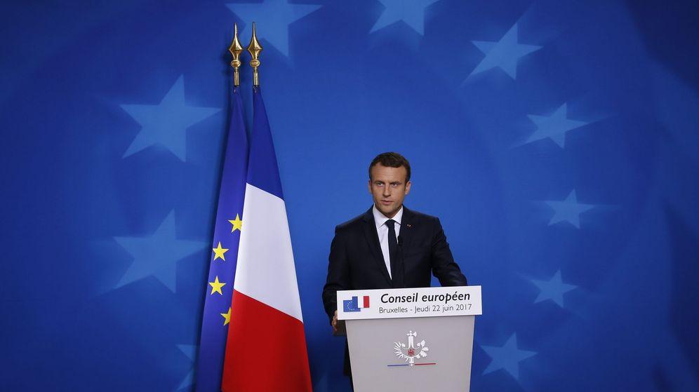 Foto: El presidente galo, Emmanuel Macron, ofrece una rueda de prensa durante la cumbre en Bruselas. (EFE)