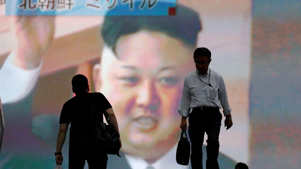 Foto: Una pantalla informa sobre el lanzamiento de un misil balístico intercontinental norcoreano, en Tokio, el 4 de julio de 2017. (Reuters)
