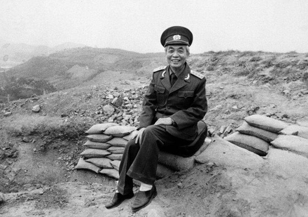 Foto: El general Vo Nguyen Giap, el héroe de Vietnam que derrotó a Francia y Estados Unidos en una vieja fotografía (Archivo).