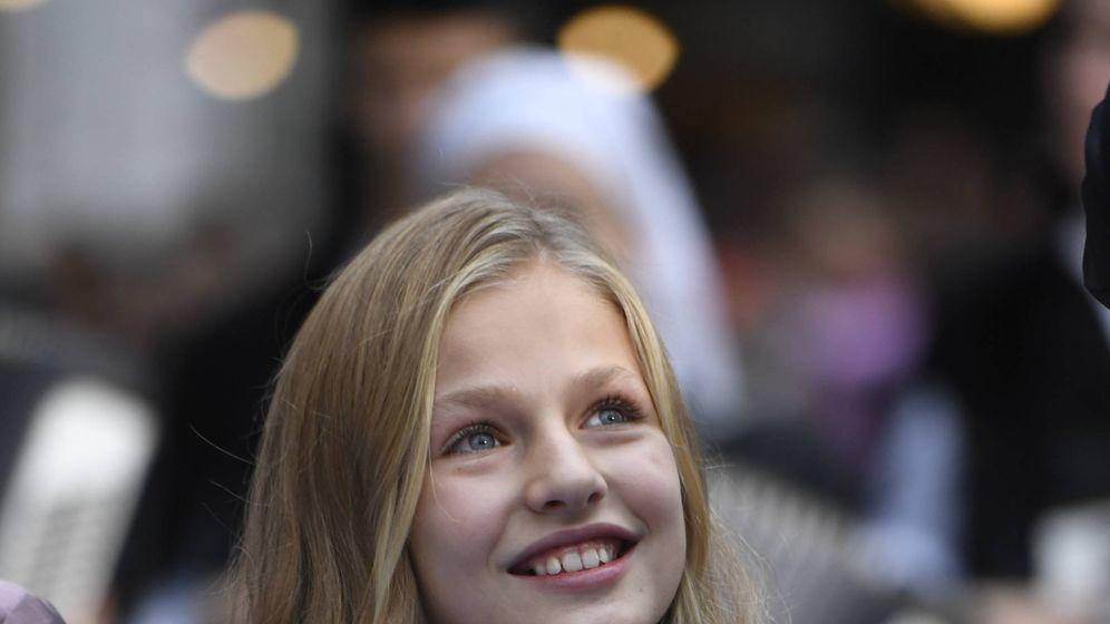 Foto: La princesa Leonor, a su llegada al teatro Campoamor. (Limited Pictures)